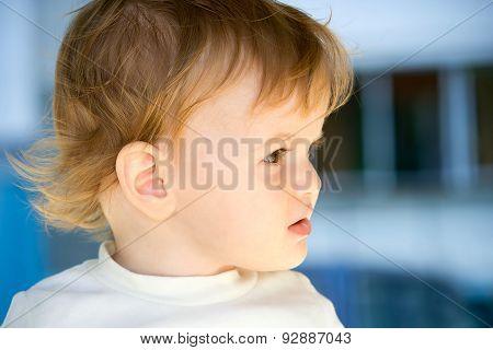 little girl taken closeup outdoors in summer - lighting effect