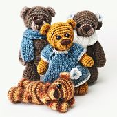 foto of teddy  - Teddy bears family in classic vintage style on white background - JPG