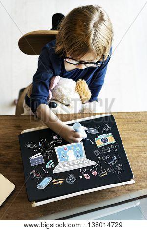 Online Social Media Network Concept