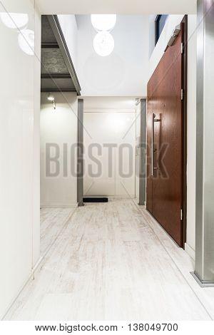 Light Home Corridor Idea