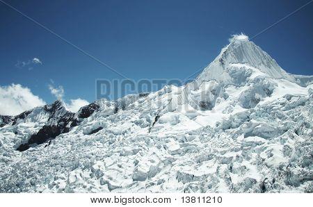 Summit Alpamayo in Cordilleras mountain