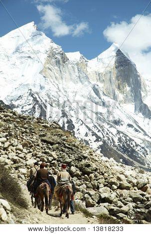 Piligrims in Himalayan mountain