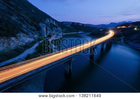 Light trails and the rock phenomenon