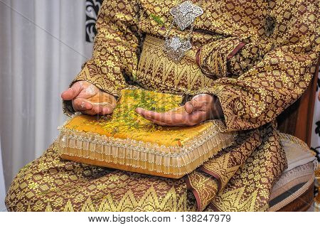 Henna Ceremony, one of the Malay traditional wedding ceremony from generation to generation.