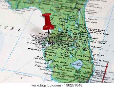 Map with pin point of Tampa in Florida, USA