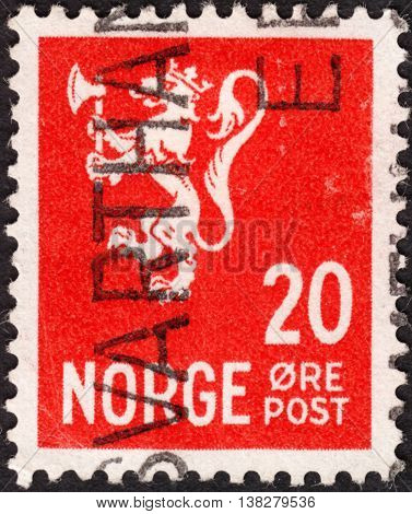 NORWAY - CIRCA 1926: A stamp printed in Norway shows Norway Coat of Arms without inscriptions the series