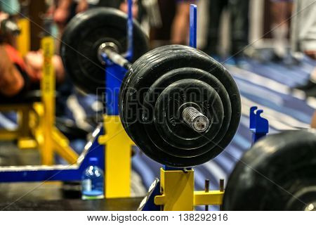 barbell for bench press in gym for powerlifting
