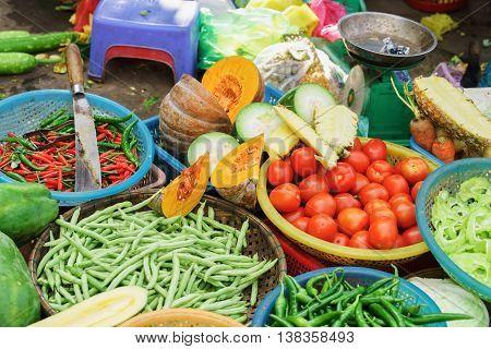 Asian Street Market Selling Tomato Pepper Pea Pod And Pumpkin