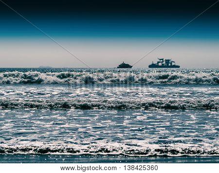Horizontal Vivid Two Ships In Ocean Tidal Waves Horizon Backgrou