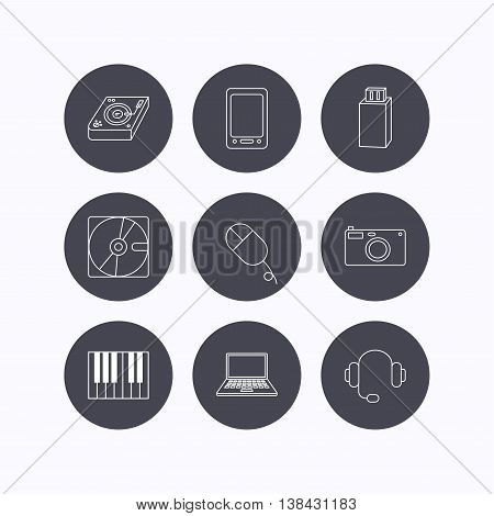 Tablet PC, USB flash and notebook laptop icons. Club music, hard disk and photo camera linear signs. Piano, headphones icons. Flat icons in circle buttons on white background. Vector