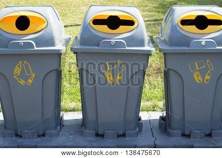empty three bins at the public park