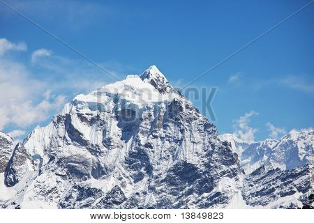Mountains peak Cho Oyo