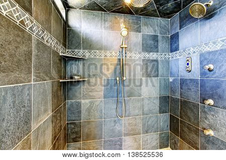 Modern Bathroom Walk-in Shower With Steam Modern System.