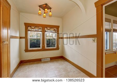 Small Empty Dining Room Interior In Old Craftsman Style Home