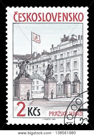 CZECHOSLOVAKIA - CIRCA 1985 : Cancelled postage stamp printed by Czechoslovakia, that shows Presidential palace in Prague.