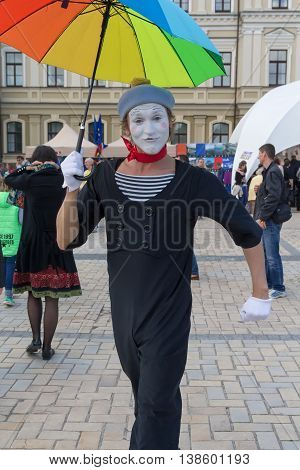 Kiev Ukraine - May 21 2016: Actor in the role of mime entertains residents during the celebration of Europe Day