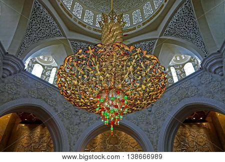 ABU-DHABI, UAE -16 MARCH: Big lamp in Sheikh Zayed, the big mosque in Abu Dhabi, UAE 16 MArch 2016.