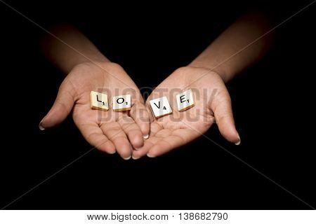 A Tabbed hands together saying