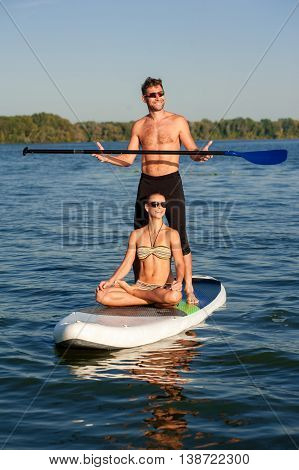 Beach Fun Couple On Stand Up Paddle Board Sup03