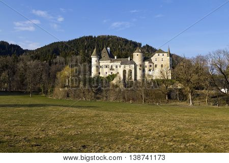 Schloss Frauenstein with an evocative complex of massive towers as well as turrets and roofs of unequal height.