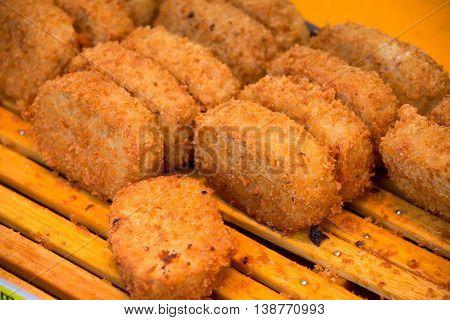 Golden Crispy Chicken Stick Is A Good Appetizer