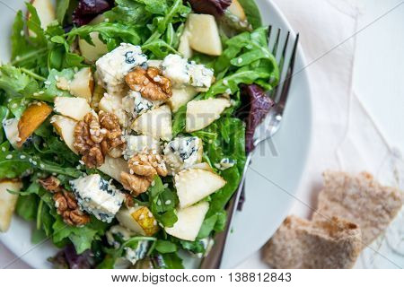Green Salad With Pears, Blue Cheese, Walnuts