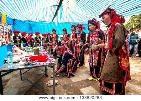 SA PA, VIETNAM, January 11, 2016 Dao ethnic group, highland Sa Pa, participate in festivals, ceremonies called level (SAC), a unique festival of ethnic mountains. Recognition of mature man