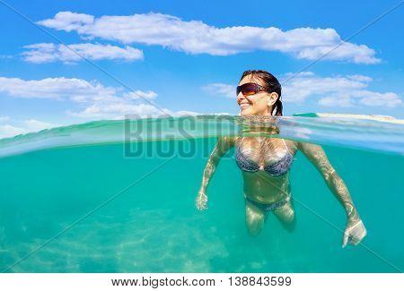 Pretty Woman Swim In Red Sea
