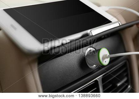 Power plug phone in car