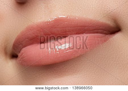Perfect Lips. Sexy Girl Mouth Close Up. Beauty Young Woman Smile