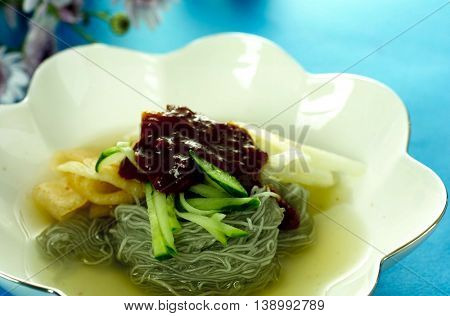 Chilled Buckwheat Noodle Soup