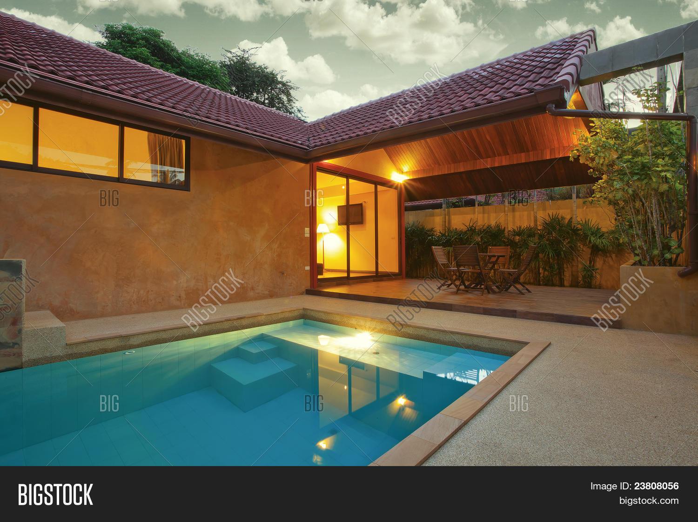 Беседка с бассейном в частном доме дизайн фото