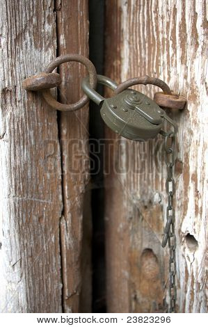 Old lock whit chain