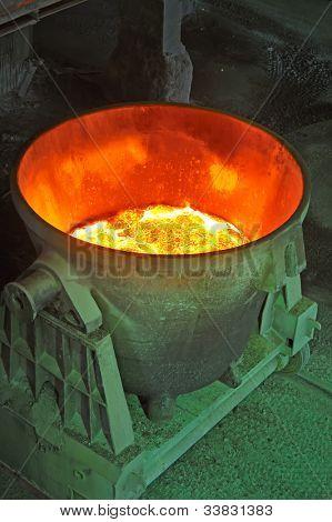 cubo de acero para el transporte de metal fundido