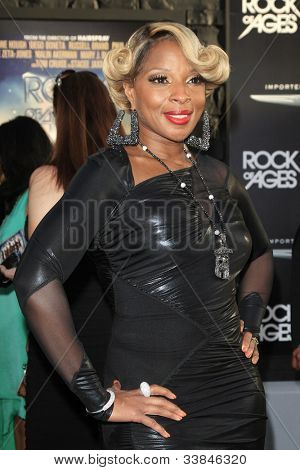 LOS ANGELES - JUN 8: Mary J. Blige at the 'Rock of Ages' Los Angeles premiere held at Grauman's Chinese Theater on June 8, 2012 in Los Angeles, California