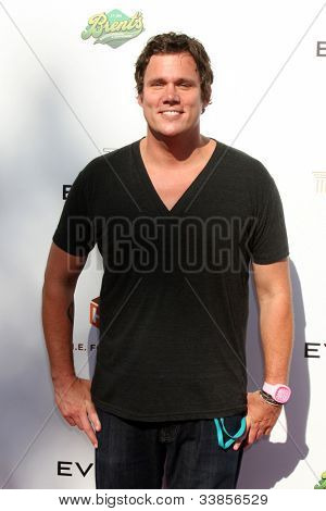 LOS ANGELES - JUN 9:  Bob Guiney arriving at
