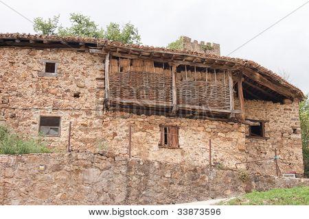 Very Old House in Mogrovejo.