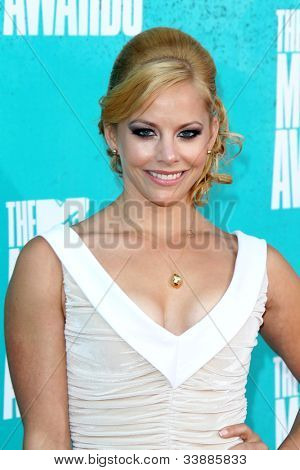 LOS ANGELES - JUN 3:  Amy Paffrath arriving at the 2012 MTV Movie Awards at Gibson Ampitheater on June 3, 2012 in Los Angeles, CA