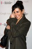 LOS ANGELES - NOV 16:  Jamie-Lynn Sigler arrives at the Google Music Launch at Mr. Brainwash Studio