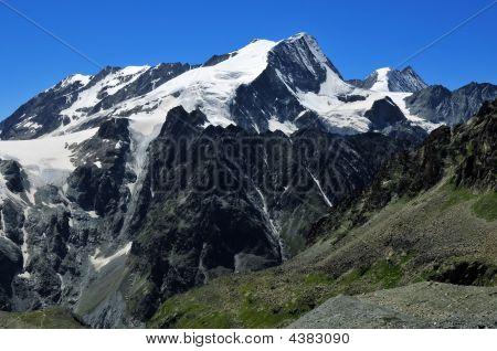 Pigne D'arolla And Mont Blanc De Cheilon