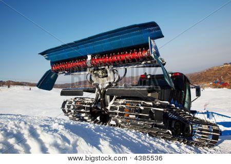 Piste Machine (snow Cat)