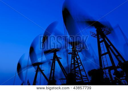 working oil pump silhouette