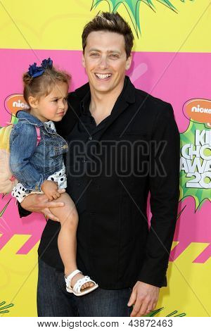 LOS ANGELES - MAR 23:  Jeff Sutphen arrives at Nickelodeon's 26th Annual Kids' Choice Awards at the USC Galen Center on March 23, 2013 in Los Angeles, CA