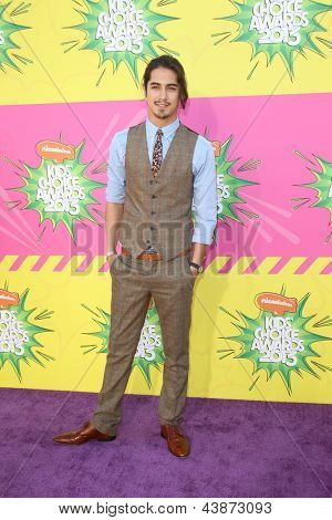 LOS ANGELES - MAR 23:  Avan Jogia arrives at Nickelodeon's 26th Annual Kids' Choice Awards at the USC Galen Center on March 23, 2013 in Los Angeles, CA
