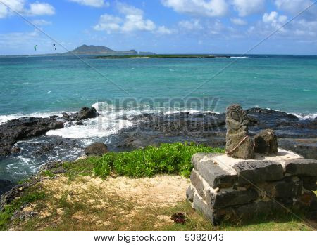 Lanikai Beach - Hawaiian Monument