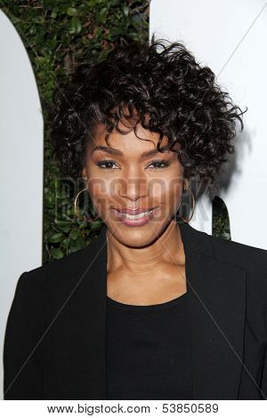 LOS ANGELES - NOV 11:  Angela Bassett at the