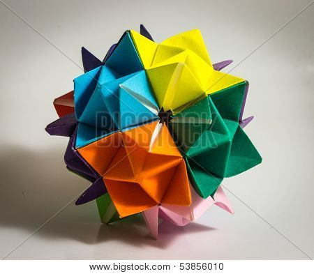 Colorful Modular Geometrical Origami