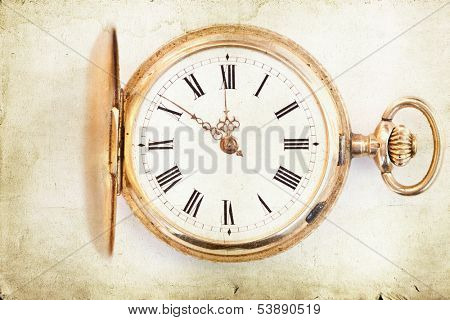 Close up of a retro clock and time is 12 o'clock