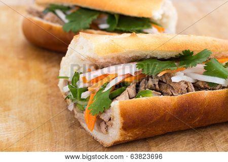 banh mi vietnamese pork sandwich