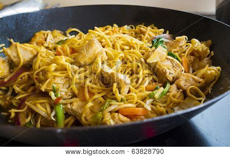mushroom, chicken, or turkey and vegetable stir fry with fresh vegetables